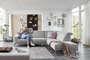 Sofa mit Kopfstütze